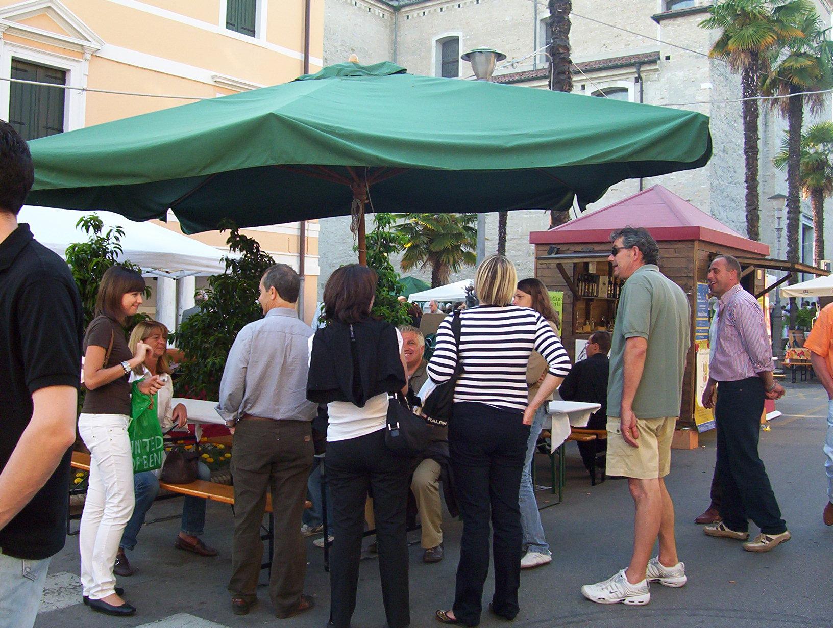 Conversazioni sotto l'ombrellone de Le Carline a Terre dei Dogi in Festa, a Portogruaro, Venezia