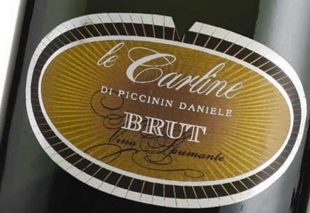 italian sparkling quality white wine with chardonnay organic grapes
